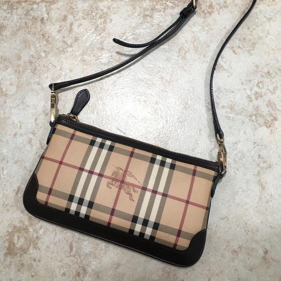 fd81f689fec Burberry Handbags - Authentic Burberry Haymarket crossbody